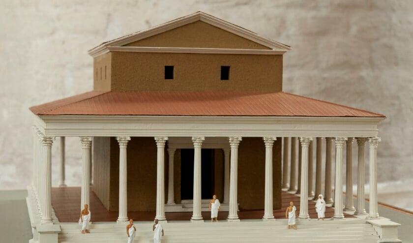 <p>Maquette van de tweede Romeinse tempel. (foto: Tempel | Kerk Museum Elst)</p>