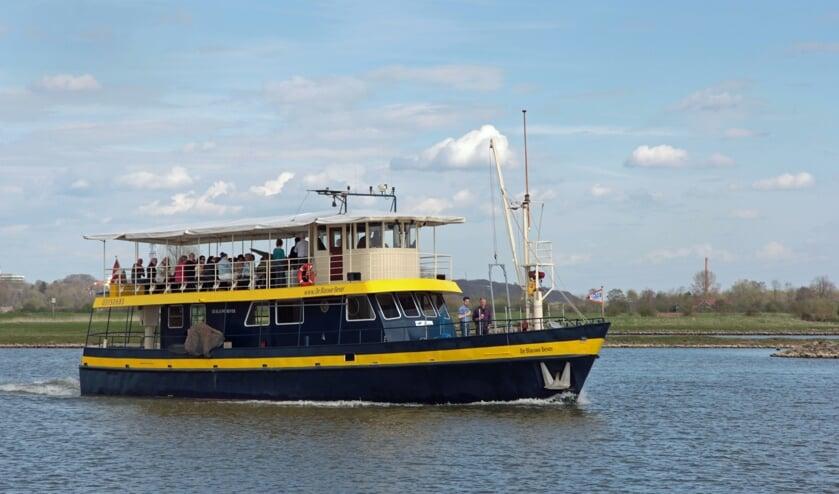 <p>De Blauwe Bever op weg naar een mooie bestemming. (foto: Stichting Rijnoevervaarten)</p>