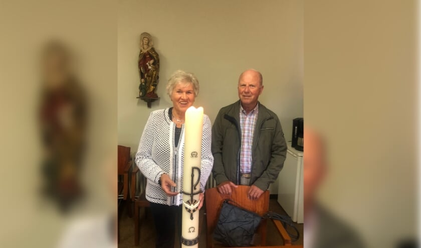 <p>Gerda van Dreumel en echtgenoot. (foto: Parochie Groesbeek)</p>