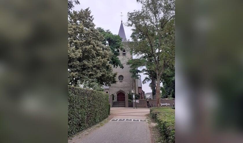 <p>Kerk Middelaar, onderweg tijdens &#39;Wandelen met Verhalen&#39;.</p>