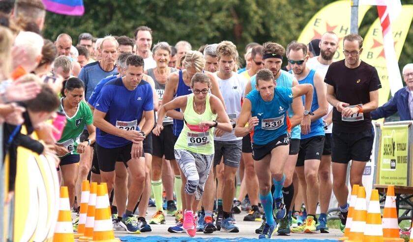 <p>Start 5 km. (foto: Rob Jansen)</p>